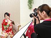 プロのカメラマンがお客様の笑顔を引き出し撮影します