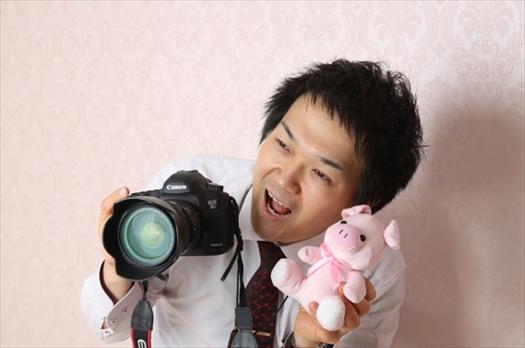 プロのカメラマンが話しかけながらお子様の笑顔を引き出します!