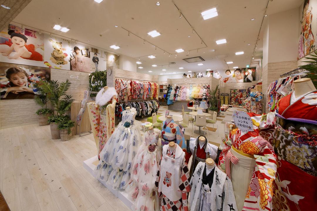 スタジオCoco イオンモール名取本店の店内ギャラリー。写真館内の雰囲気をお伝えします。